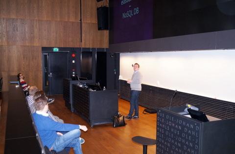 Erik Perez talking about elasticsearch